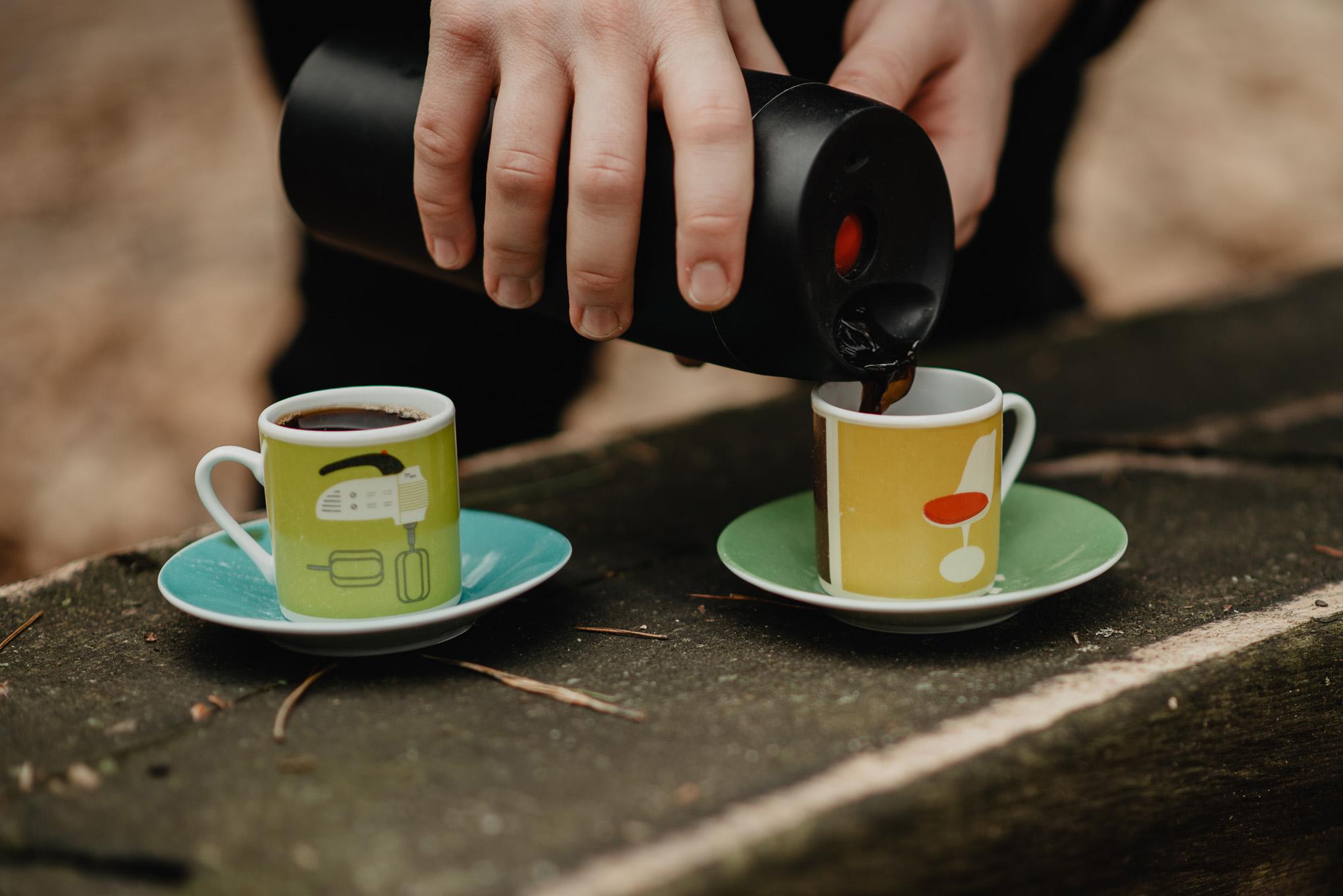 kawa w lesie